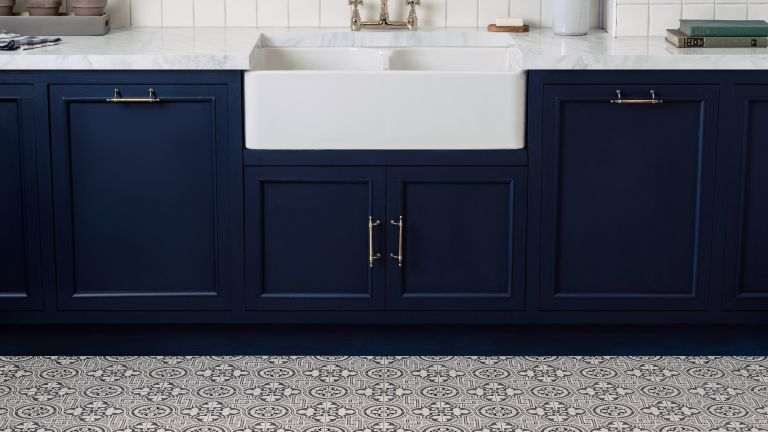 Original style: kitchen with tiles/ how to get the look with tile stickers