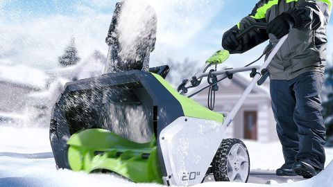 Greenworks Snow Thrower 2600502 review