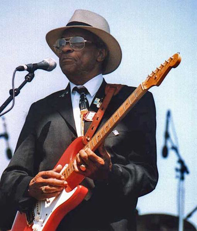 Interview Hubert Sumlin Discusses Working With Howlin Wolf In 1994 Guitar World