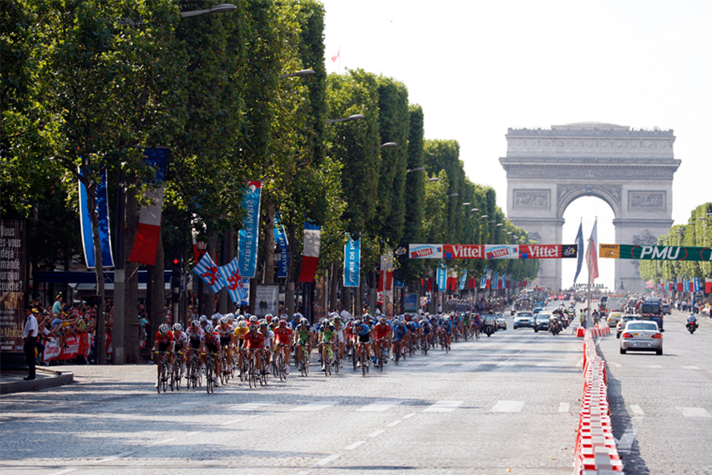 Icons of cycling the champs lys es cycling weekly - Comptoir des cotonniers champs elysees ...