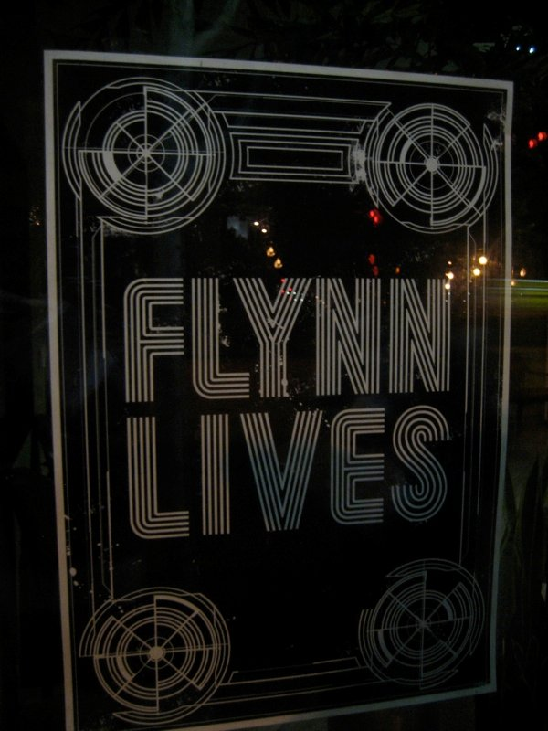 Comic Con: Flynn Lives And He's Reopened His Arcade! #1654