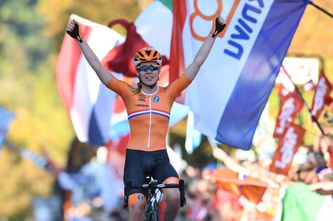 Anna van der Breggen (Netherlands) celebrates her victory