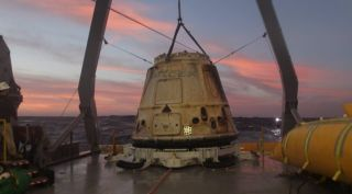 SpaceX Dragon capsule recovery