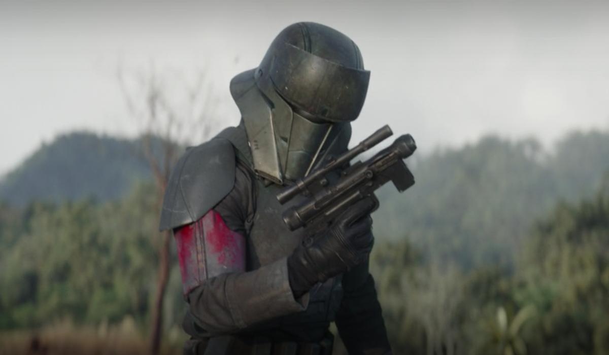 mando's blaster malfunctioning the mandalorian season 2