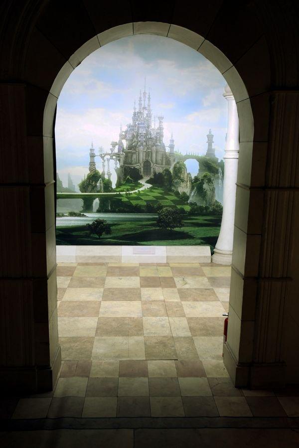 enter alice's wonderland