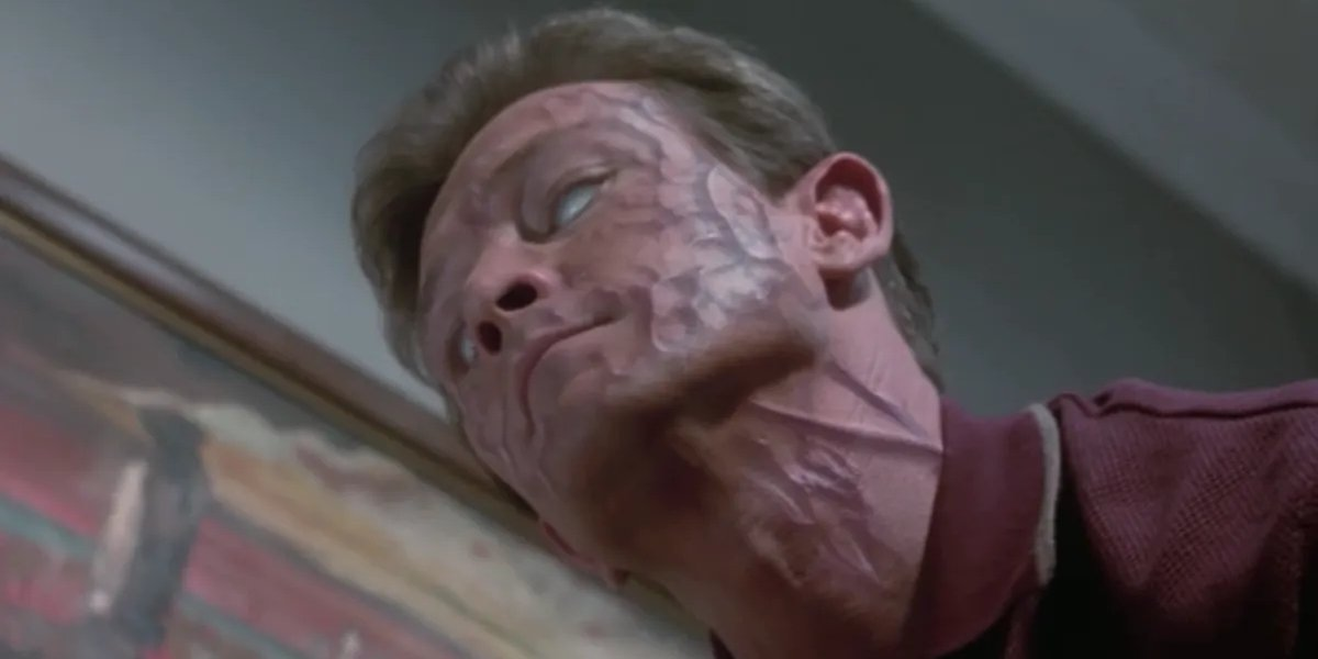 Robert Patrick in The Faculty