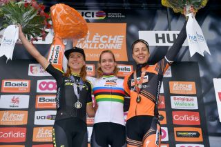 Anna van der Breggen wins a record five in a row at Fleche Wallonne Feminine