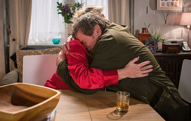 Coronation Street Spoilers: Liz McDonald provides Johnny Connor with a shoulder to cry on