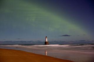A dune-like aurora borealis.