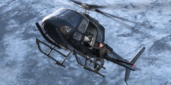Tom Cruise hang from helicopter mission impossible fallout