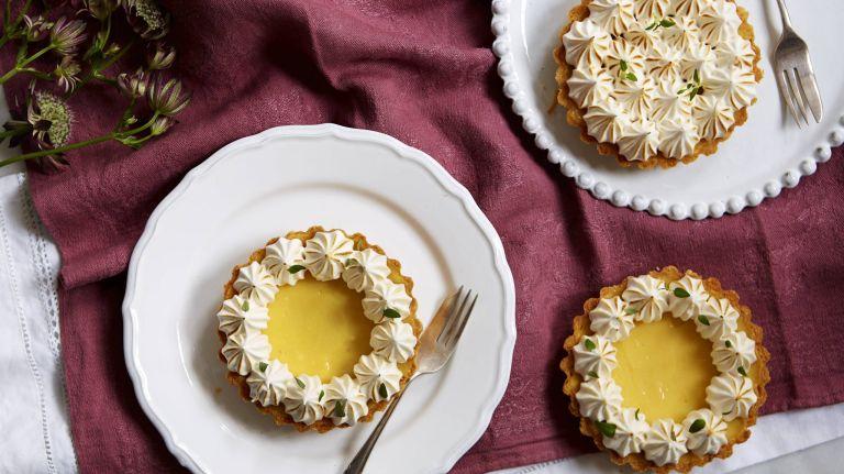 honey meringue lemon tarts