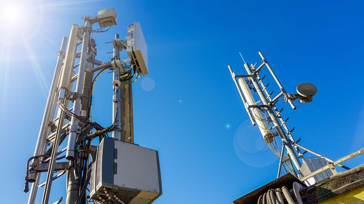 Will 5G finally take off in 2020? Here's what the carriers and experts say