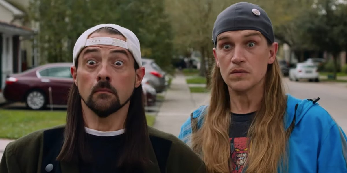 Jay and Silent Bob Reboot Kevin Smith and Jason Mewes standing shocked on the sidewalk