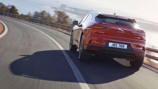 Jaguar I-Pace lansmanı, tamamen elektrikli SUV arena'sına rakip olarak yeni bir Tesla Model X getiriyor