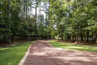 gravel driveway to custom home