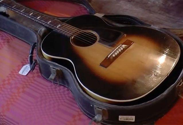 jimi hendrix all along the watchtower acoustic guitar sells for a quarter million guitarworld. Black Bedroom Furniture Sets. Home Design Ideas