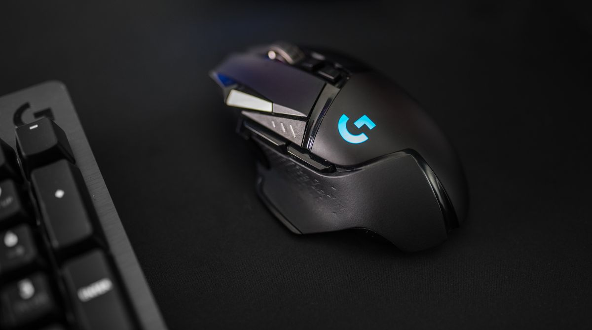 Logitech G502 wireless Lightspeed gaming mouse is faster than wired
