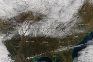 southern-snowstorm-110124-02