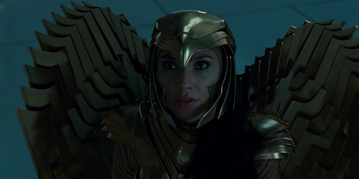 Реакция Галь Гадот на золотую броню Чудо-женщины восхитительна