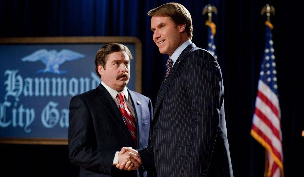 The Campaign Zack Galifianakis shakes hands with Will Ferrell on the debate stage