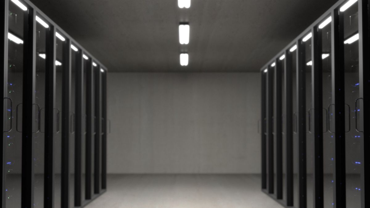 Thousands of servers can be remotely hacked