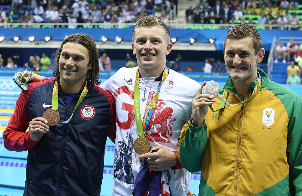 Adam Peaty ganó el oro olímpico en Río por delante del sudafricano Cameron Van Der Burgh y la estrella del equipo estadounidense Cody Miller.