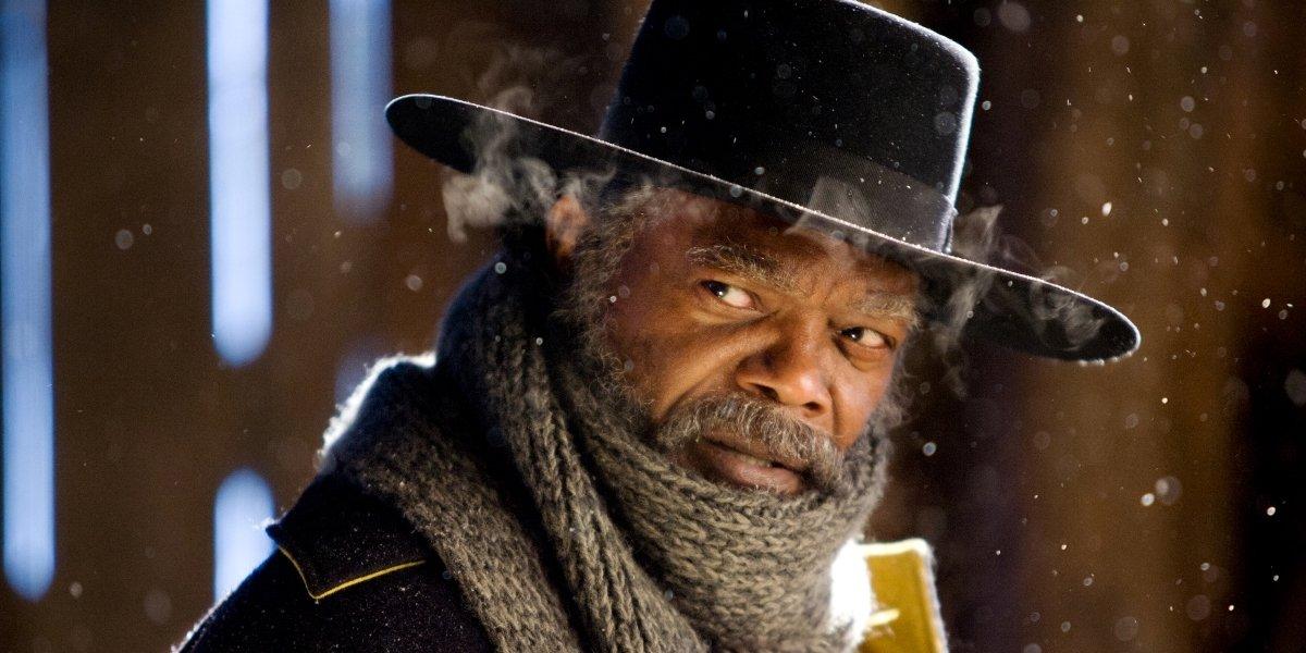 Major Marquis Warren (Samuel L. Jackson) stands in the snow in 'The Hateful Eight'