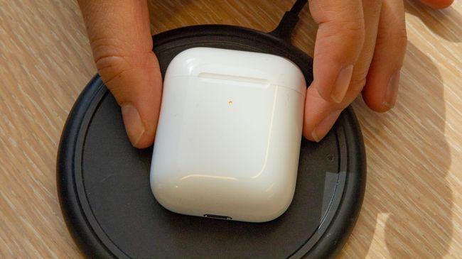 هندزفری اپل ایرپاد ۲ همراه با کیس وایرلس