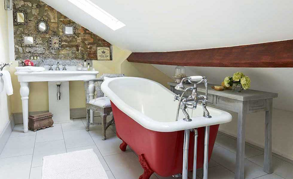 8 Small But Beautiful Bathrooms