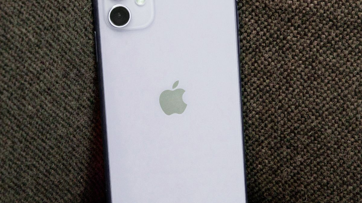 Future iPhones could use the Apple logo as a notification light