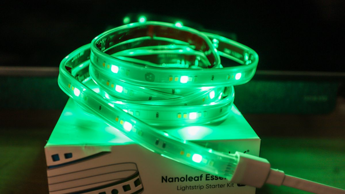 Picture - Nanoleaf Essentials Lightstrip review