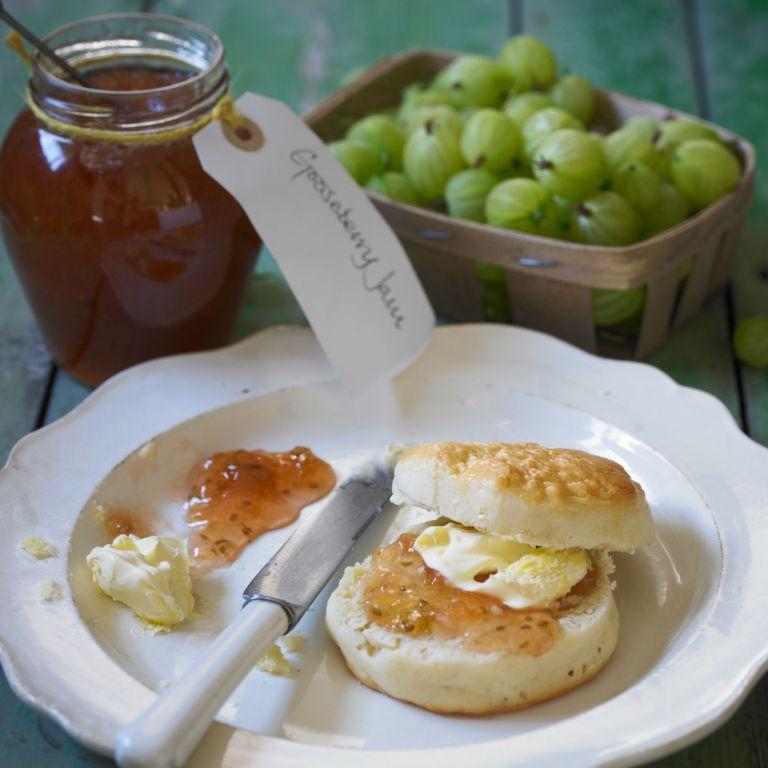 Lucy-Crabb-gooseberry-elder-jam-recipe-cooking-photo