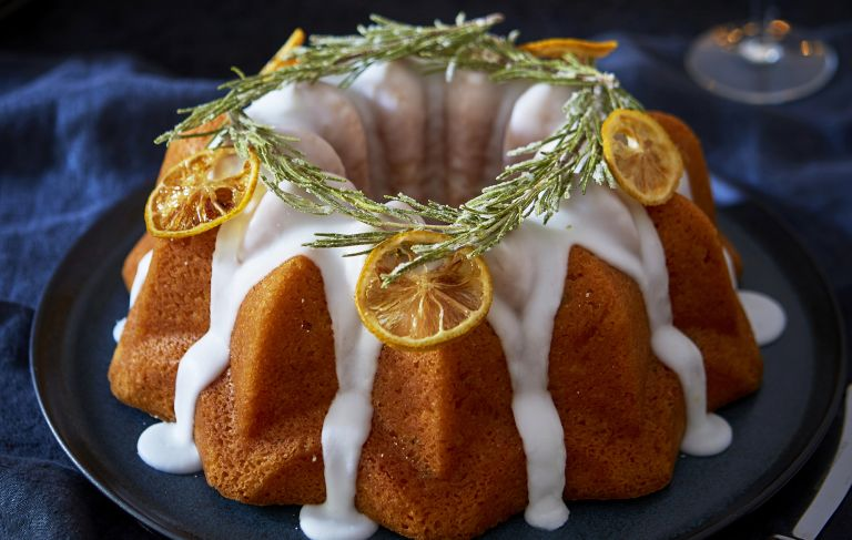 Rosemary and lemon bundt with gin