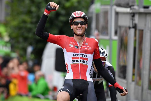 Wellens wins BinckBank stage, Dumoulin leads
