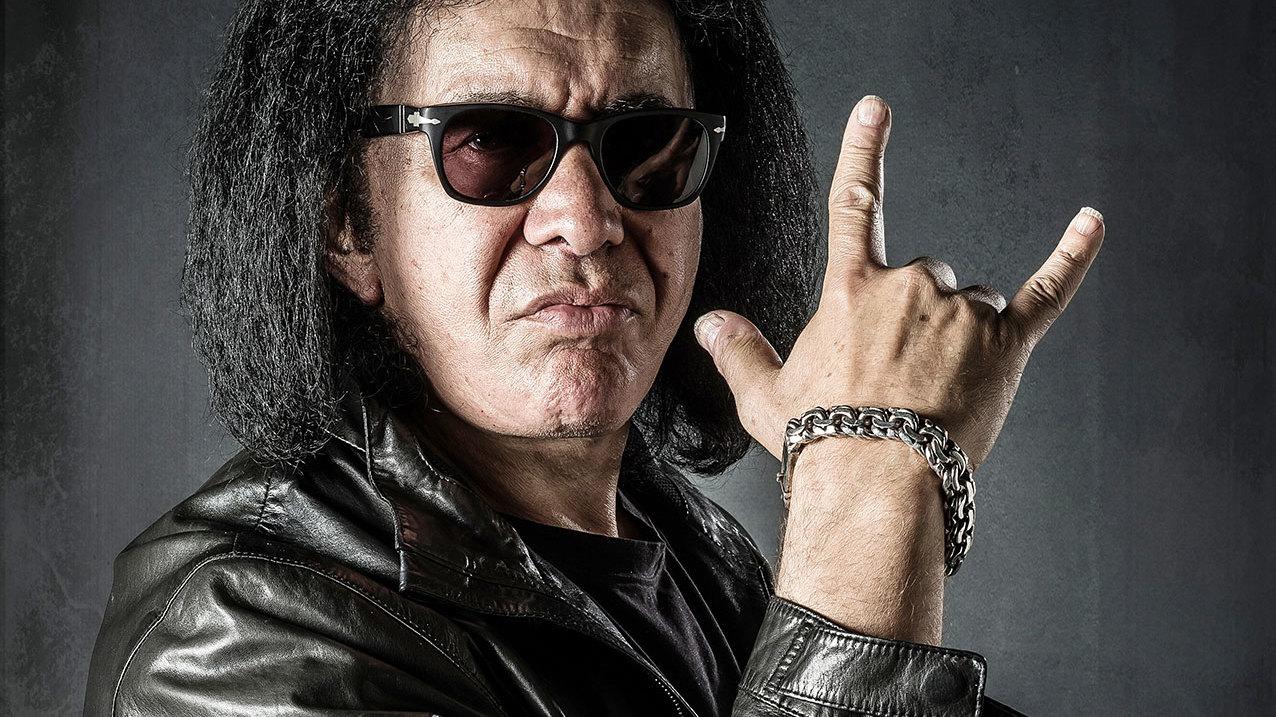 Gene Simmons Wants To Trademark Devils Horns Hand Gesture Louder
