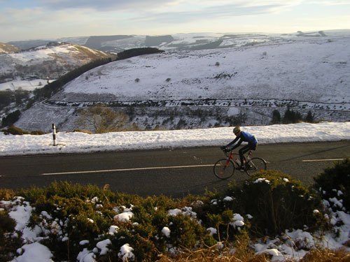 Chris Wilkinson, Horseshoe Pass, Llangollen, 2010 snowy cycling photos