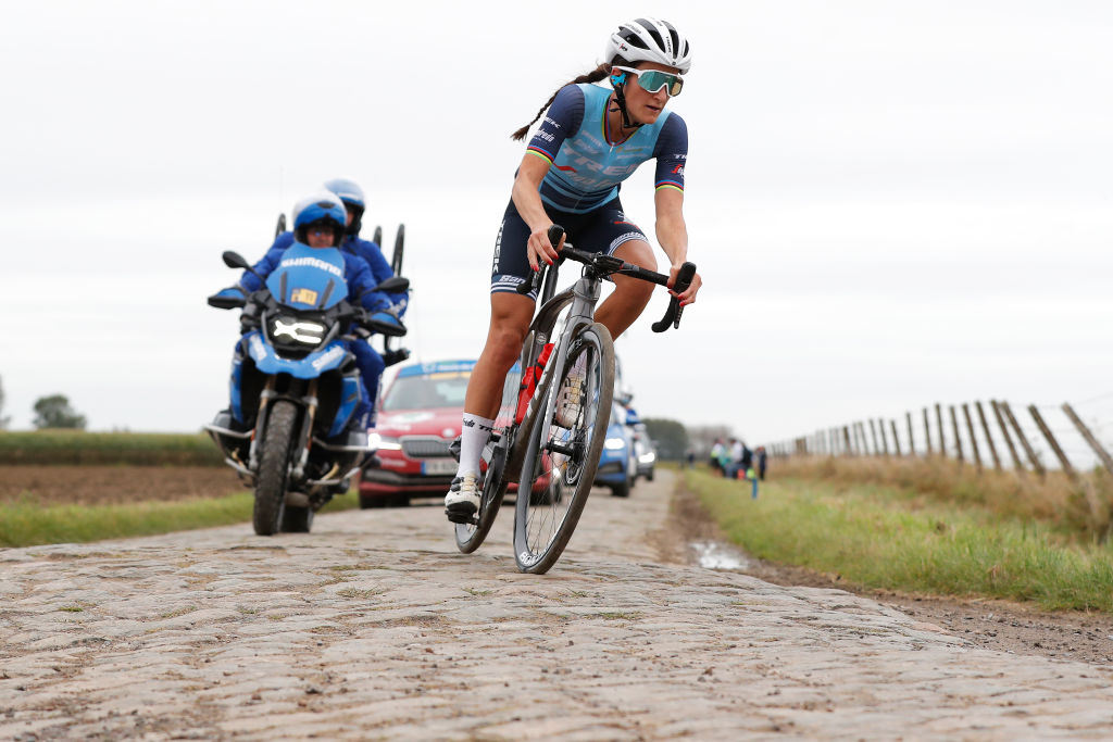ROUBAIX FRANCE OCTOBER 02 Elisabeth DeignanArmitstead of United Kingdom and Team Trek Segafredo competes through cobblestones sector during the 1st ParisRoubaix 2021 Womens Elite a 1164km race from Denain to Roubaix ParisRoubaixFemmes ParisRoubaix on October 02 2021 in Roubaix France Photo by Bas CzerwinskiGetty Images
