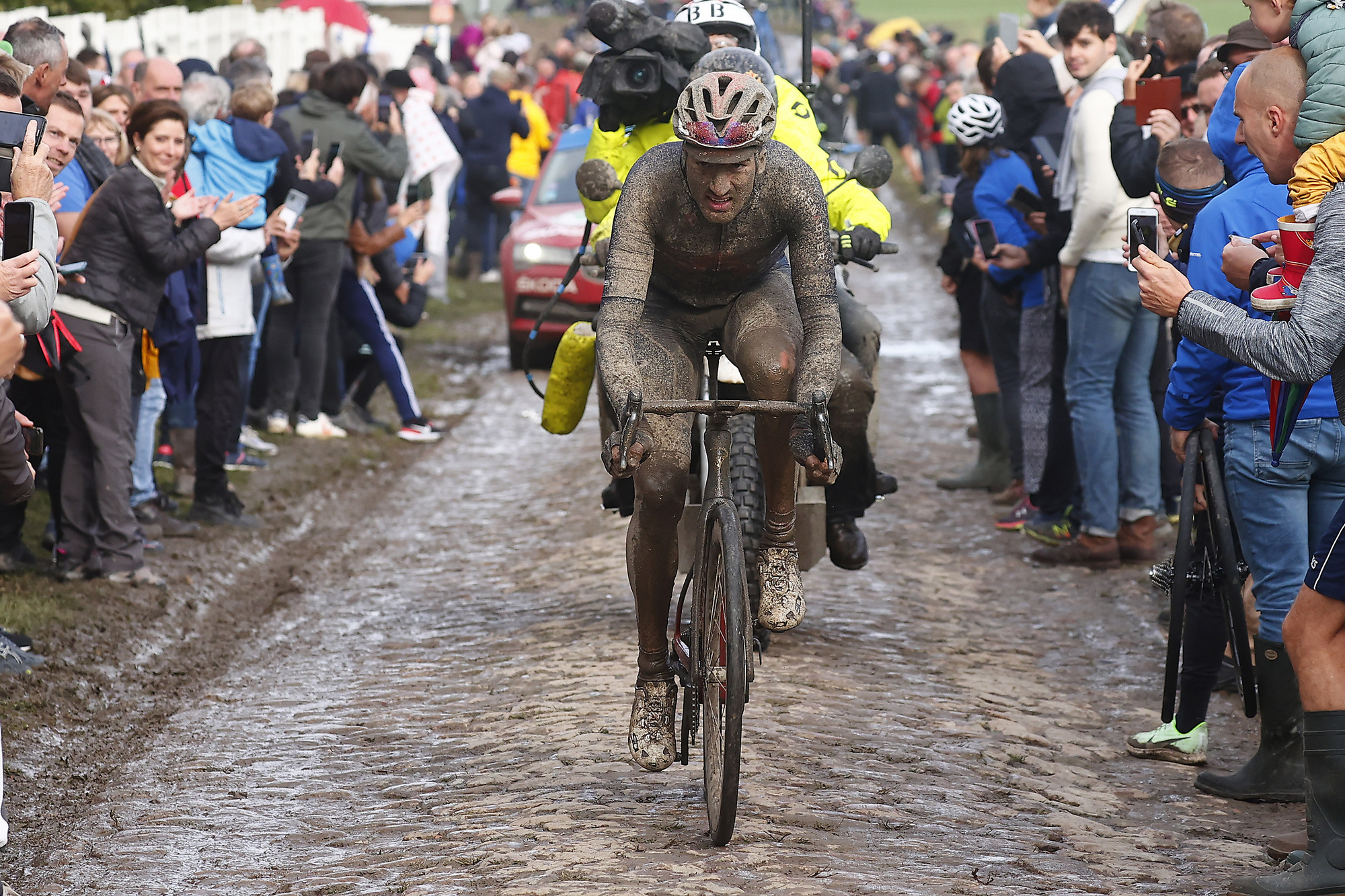Paris Roubaix 2021 118th Edition Denain Roubaix 2577 km 03102021 Gianni Moscon ITA Ineos Grenadiers photo Luca BettiniBettiniPhoto2021