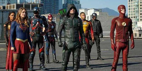 the cw arrow the flash legends of tomorrow supergirl invasion crossover
