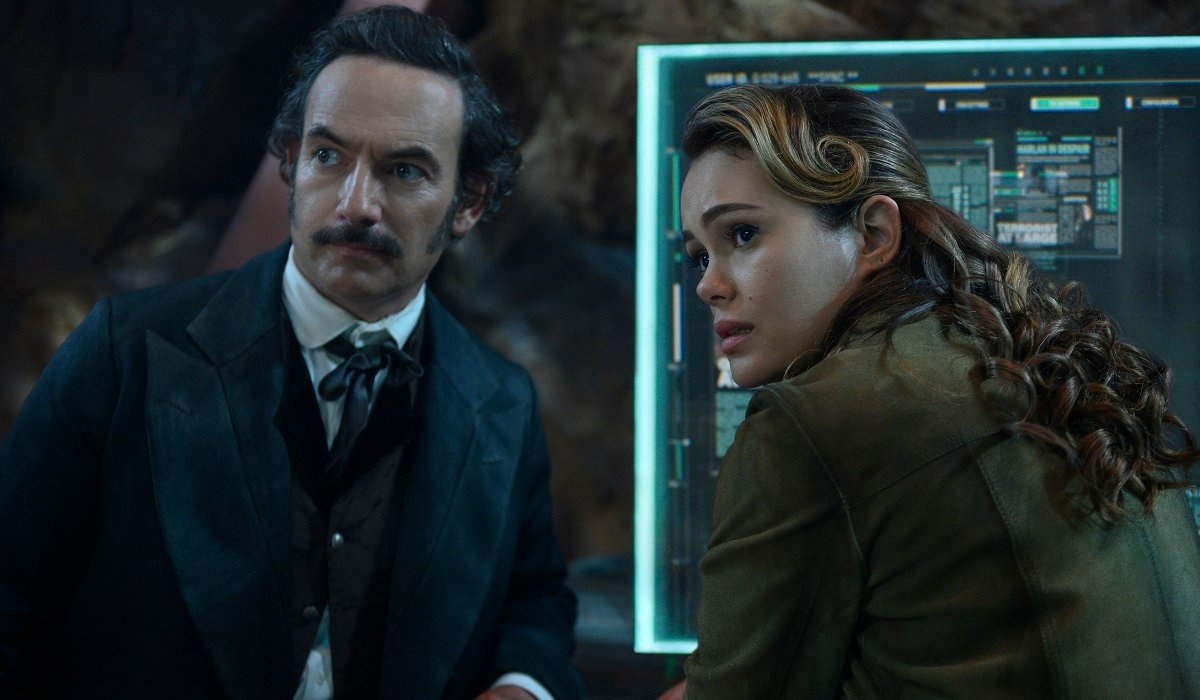 Poe And Dig Altered Carbon Netflix