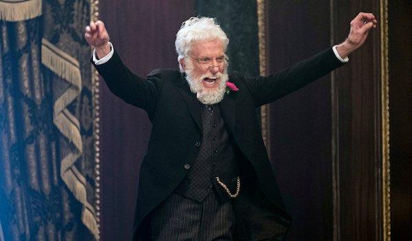 Dick Van Dyke as Mr. Dawes Jr. in Mary Poppins Returns
