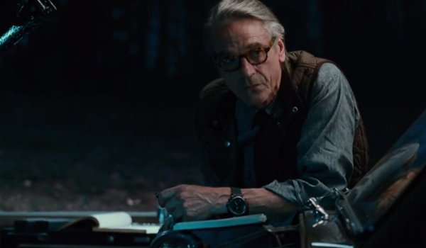Justice League Alfred Sees The Return Of Superman