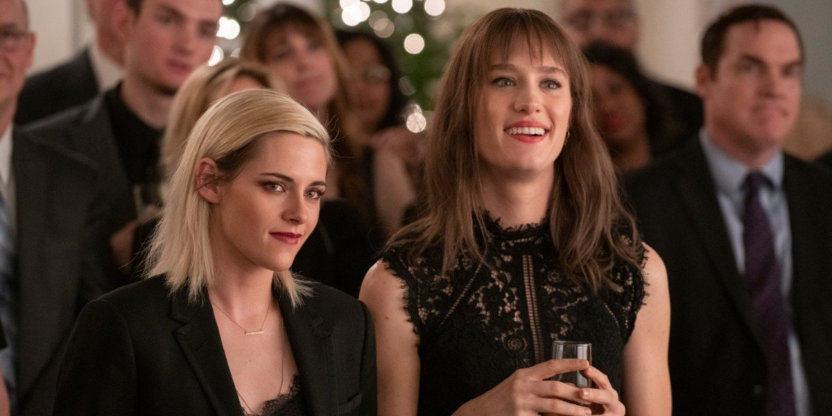 Kristen Stewart, Mackenzie Davis - Happiest Season