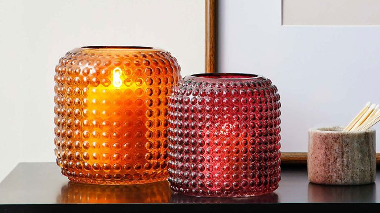 Cheap home decor finds – Amber Large Retro Vase from Dunelm on side with candle in