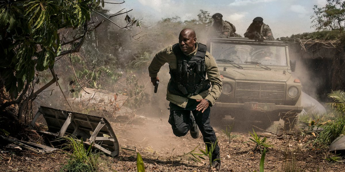Tyrese Gibson running from gunfire as Roman Pearce in F9