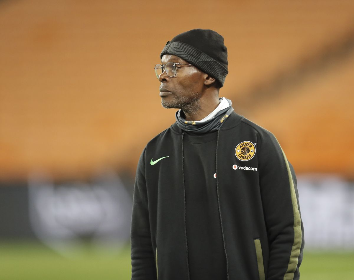 Zwane, Sheppard to remain in charge for Wydad clash as Baxter awaits work permit
