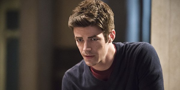 the flash grant gustin barry allen looking worried