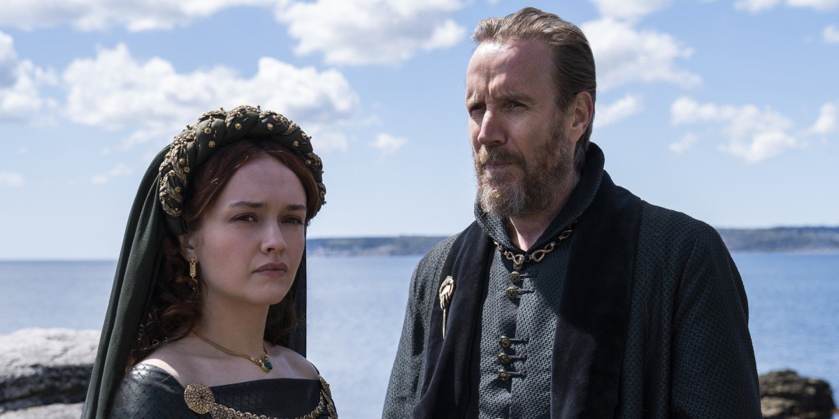 olivia cooke and rhys ifans in house of the dragon first look