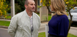 Toadie Rebecchi and Amy Greenwood in Neighbours.