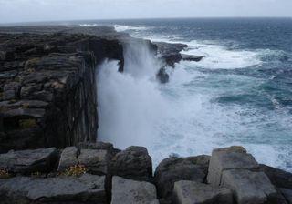 boulder-cliff-edge-111104-02